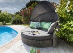 Mobilier de jardin des amoureux canapé-lit visuel