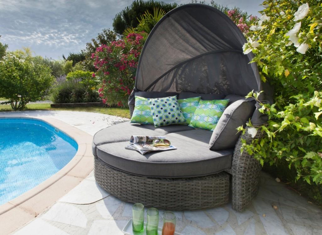 Mobilier de jardin pour la sieste canapé-lit minois