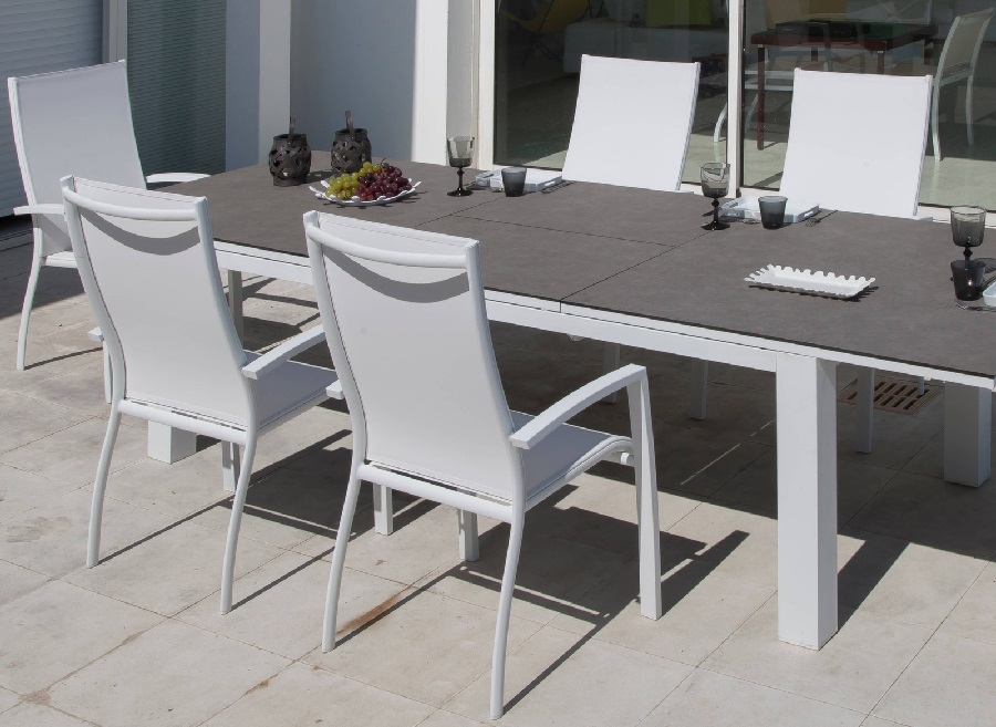 mobilier de jardin pour famille nombreuse fauteuil haut élégance