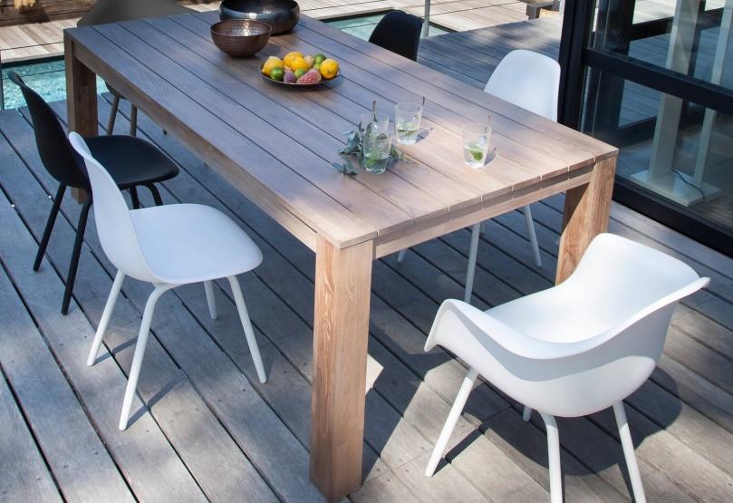 déco scandinave fauteuil et chaise moss et table Kéa