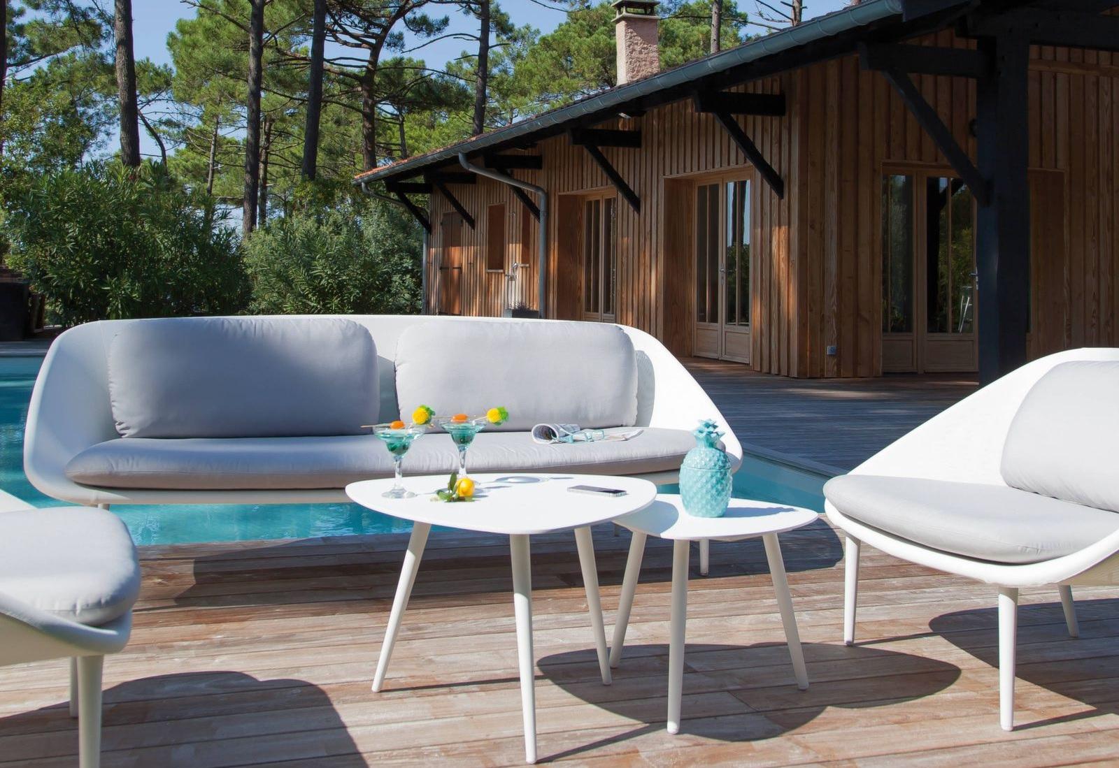 mobilier de jardin blanc le charme et l 39 l gance le blog. Black Bedroom Furniture Sets. Home Design Ideas