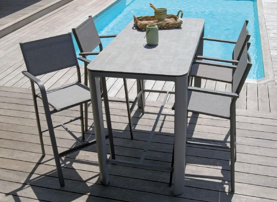 mobilier pour apéros d'été fauteuil haut Quenza