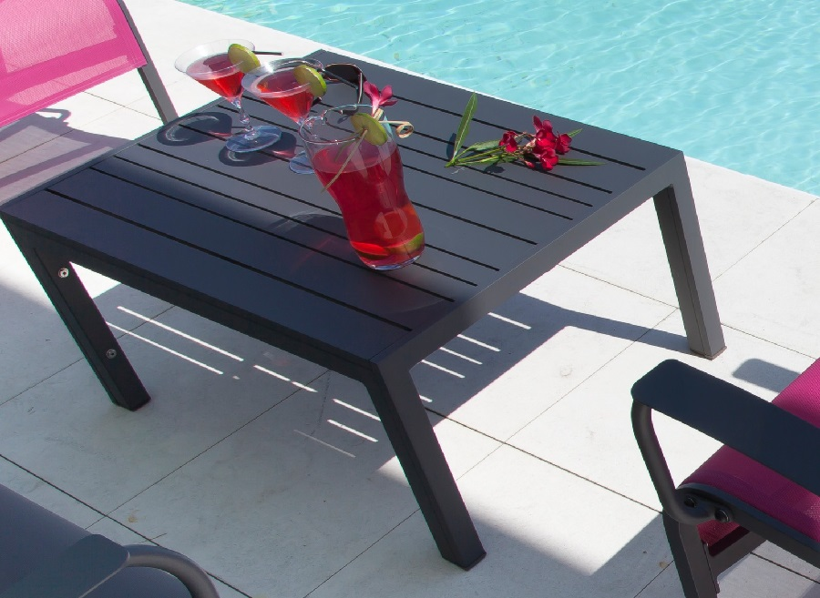 mobilier pour apéros d'été table basse MT 70