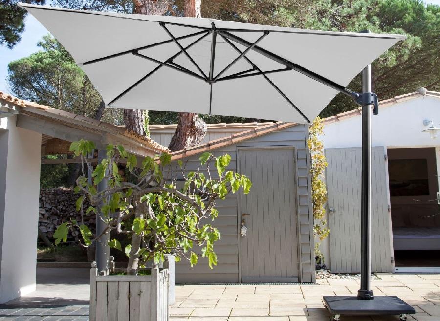 meubles de jardin blancs Parasol déporté NH Proloisirs