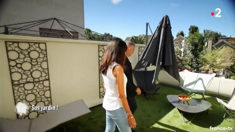 parasol déporté fermé Proloisirs sur france 2