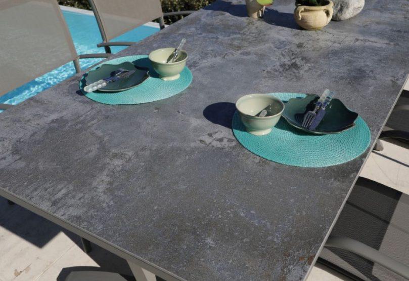 Le Dekton®matériau innovant pour salon de jardin Proloisirs