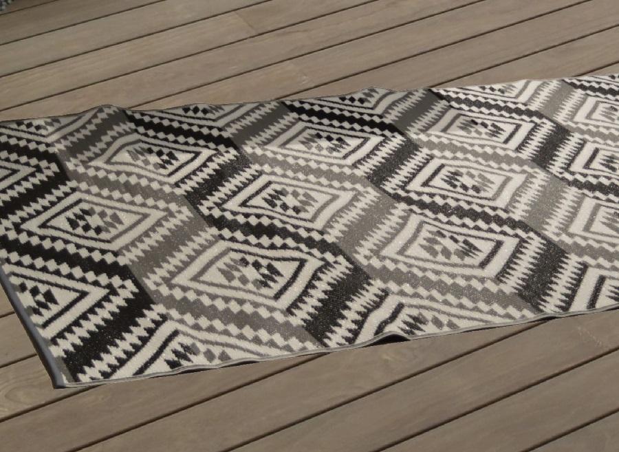 Le mobilier de jardin tendance bohème tapis d'extérieur proloisirs