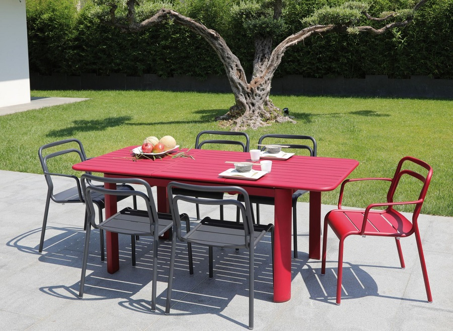 choisir son mobilier de jardin table eos proloisirs