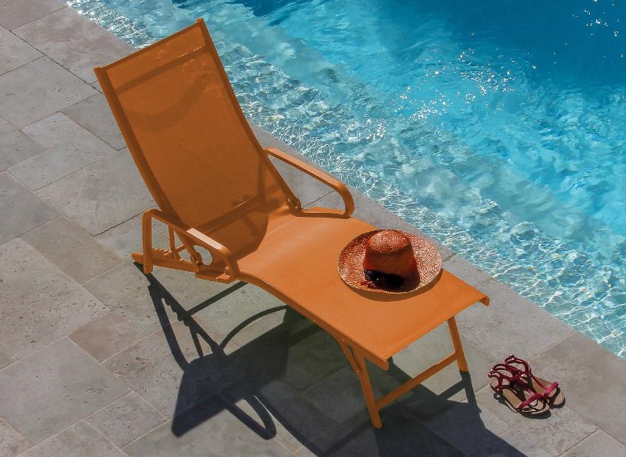 mobilier de piscine lit de soleil fuji orange Proloisirs